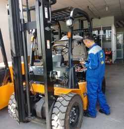 Các bước kiểm tra xe nâng dầu Hangcha