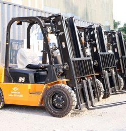 Xe nâng Trung Quốc 3.5 tấn cách vận chuyển hàng hóa cồng kềnh