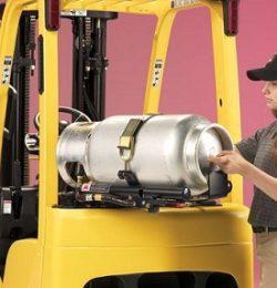 Hướng dẫn tiếp nhiên liệu cho xe nâng an toàn