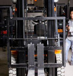 Xe nâng nhập khẩu Trung Quốc VS Xe nâng đã qua sử dụng