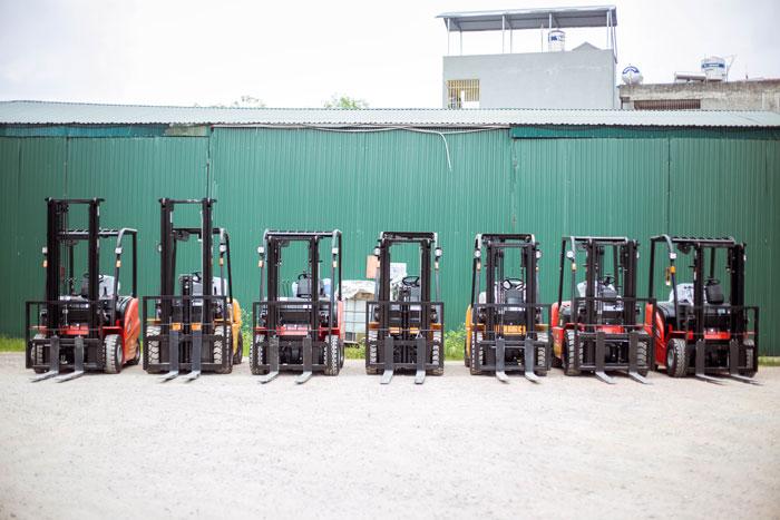 Tổng kho xe nâng dầu 2,5 tấn của công ty Thiên Sơn