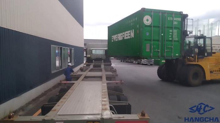 cho thuê xe nâng 30 tấn