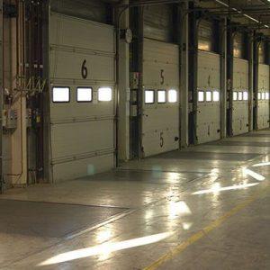 Cách cải sử dụng Dock Leveler để nâng cao an toàn xe nâng