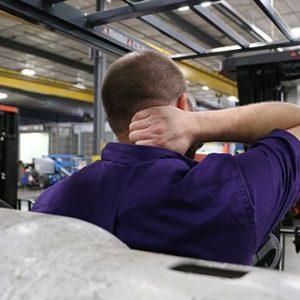 5 Rủi ro về sức khỏe đối với người lái xe nâng và cách phòng ngừa