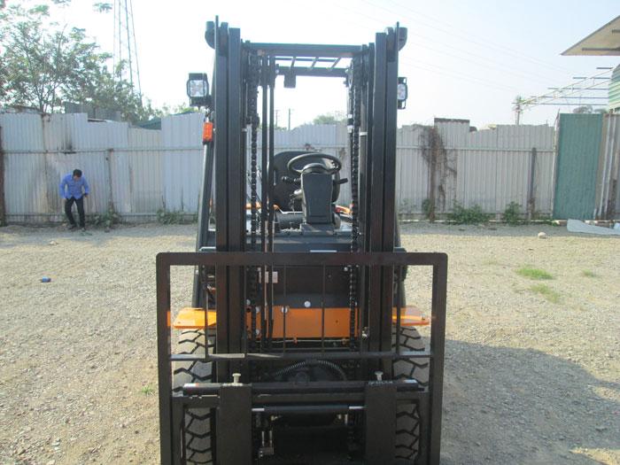 xe-nang-2-5-tan (12)