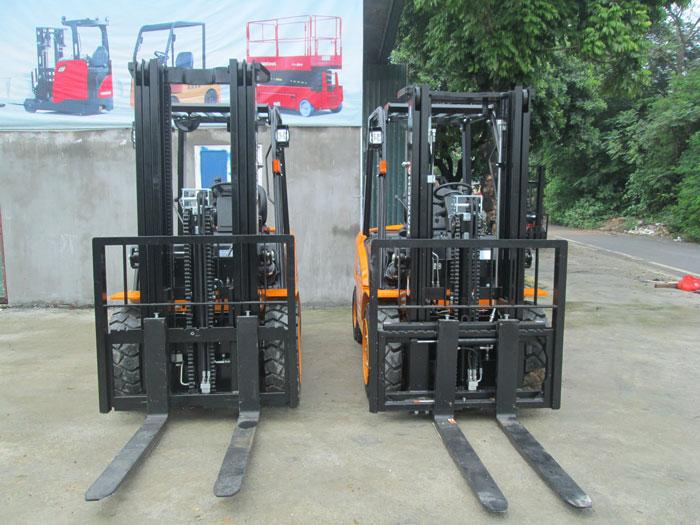xe-nang-chui-container (2)