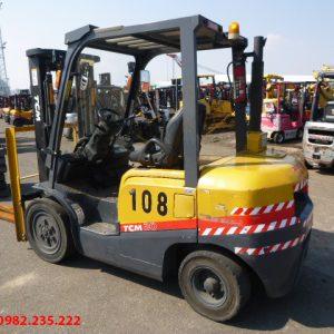 Xe nâng dầu TCM cũ 3 tấn 2011