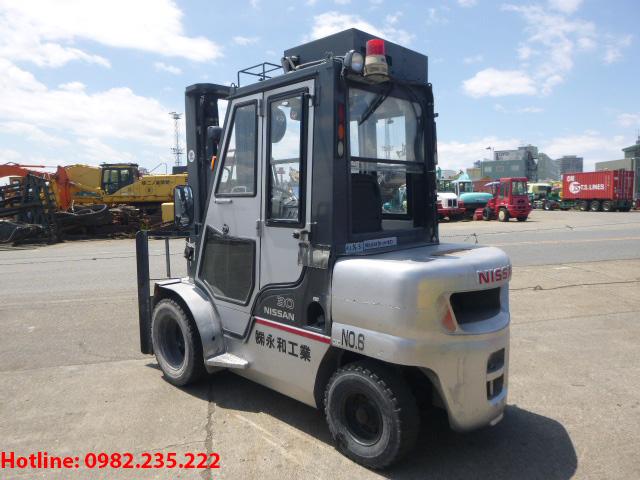 xe-nang-dau-nissan-cu-3-tan-2006 (3)