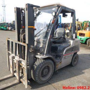 Xe nâng dầu Nissan cũ 3 tấn 2012