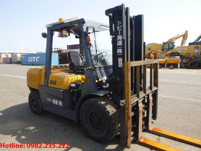 xe-nang-dau-tcm-cu-5-tan-2011 (2)