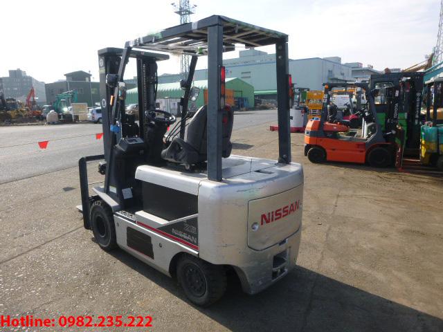 xe-nang-dien-nissan-cu-2-5-tan-2011 (3)