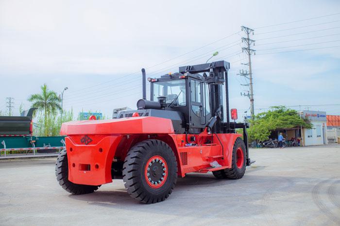 xe-nang-20-tan (3)