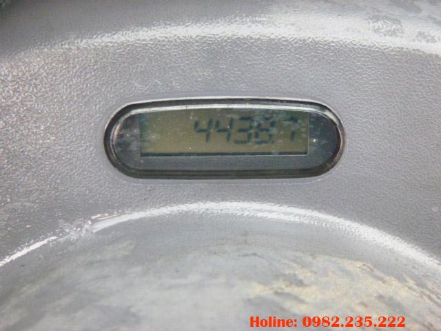xe-nang-dau-komatsu-cu-1-5-tan-2010 (7)