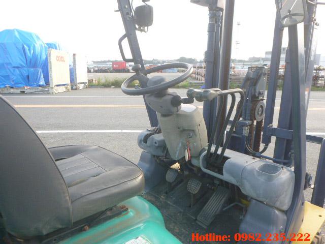 xe-nang-dau-komatsu-cu-2-tan-2000 (7)