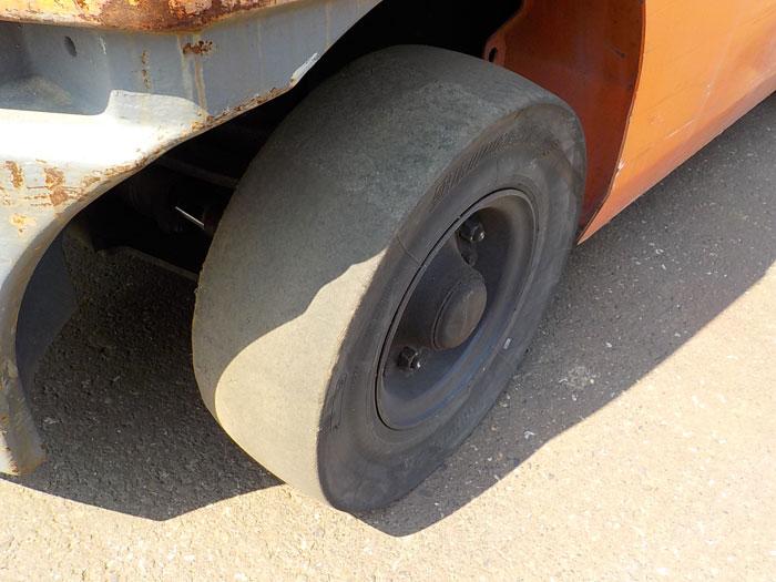 xe-nang-dau-toyota-2-5-tan-doi-2007 (8)