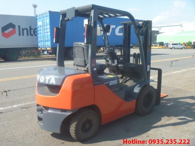 xe-nang-dau-toyota-cu-2-5-tan-2007 (4)