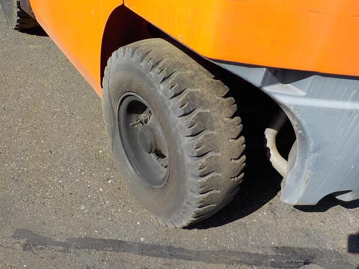 xe-nang-dau-toyota-cu-2-tan-doi-2010 (9)