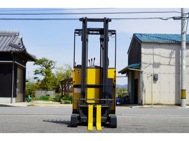 xe-nang-dien-dung-lai-komatsu-cu-0-9-tan-doi-2007 (11)