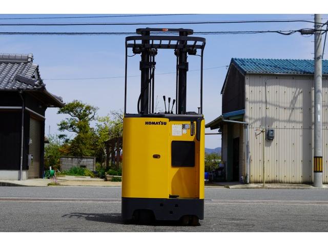 xe-nang-dien-dung-lai-komatsu-cu-0-9-tan-doi-2007 (14)